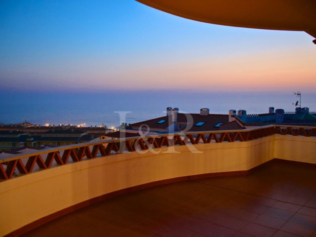 terrace with sea view  duplex apartment with sea view in Ericeira