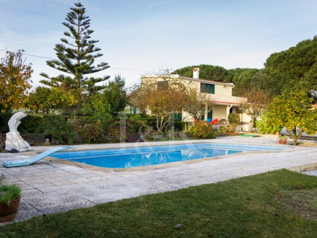 3 BEDROOM VILLA WITH POOL IN QUIET PLACE NEAR SINTRA