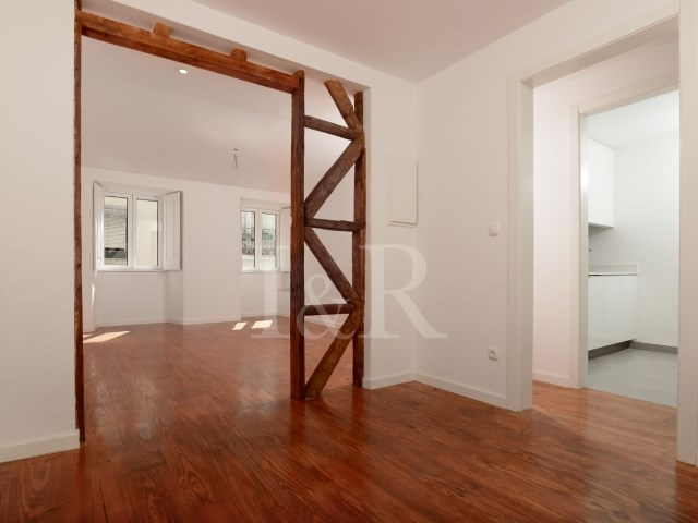 RENOVATED 2 BEDROOM APARTMENT IN BAIRRO DA BICA, LISBON