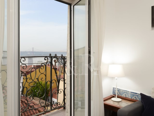 1 BEDROOM APARTMENT, WELL LOCATED, WITH TAGUS RIVER VIEW, IN BICA, LISBON | 1 Bedroom | 1WC
