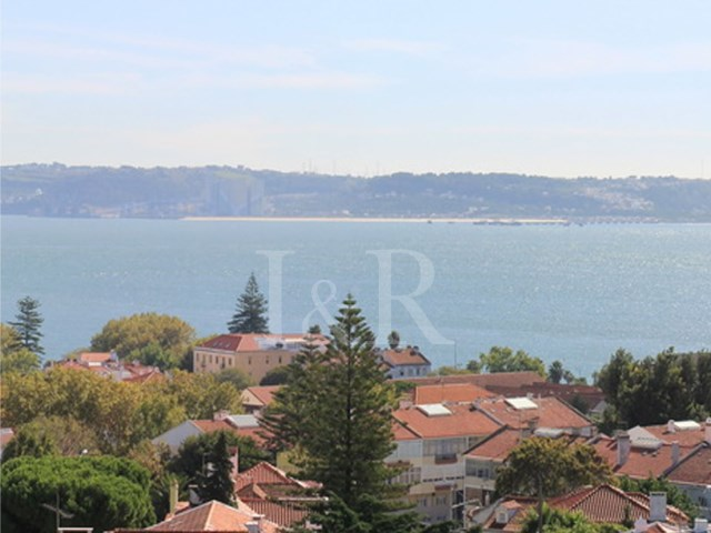 4 BEDROOM PENTHOUSE IN OEIRAS, LISBON WITH SEA VIEW FOR SALE | 4 Bedrooms | 4WC