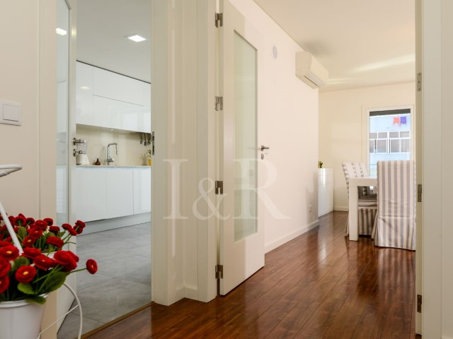 3-BEDROOM APARTMENT WITH PARKING NEAR MERCADO DE CAMPO DE OURIQUE, LISBON | 3 Bedrooms | 2WC