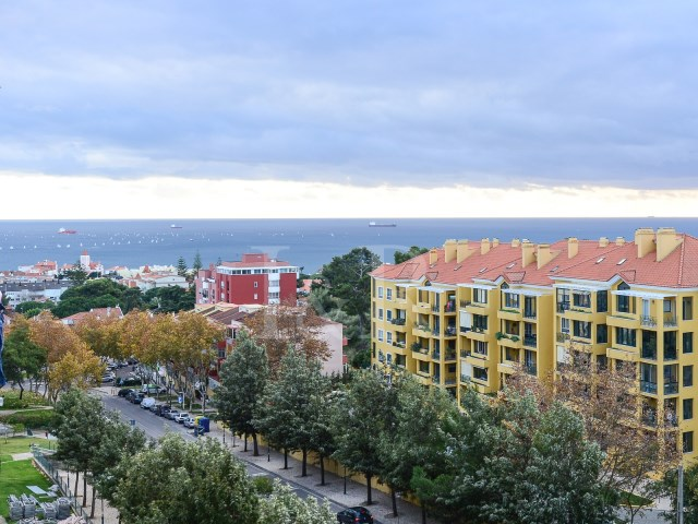 3 BEDROOM APARTMENT WITH SEA VIEW IN S. JOÃO DO ESTORIL  | 3 Bedrooms | 2WC