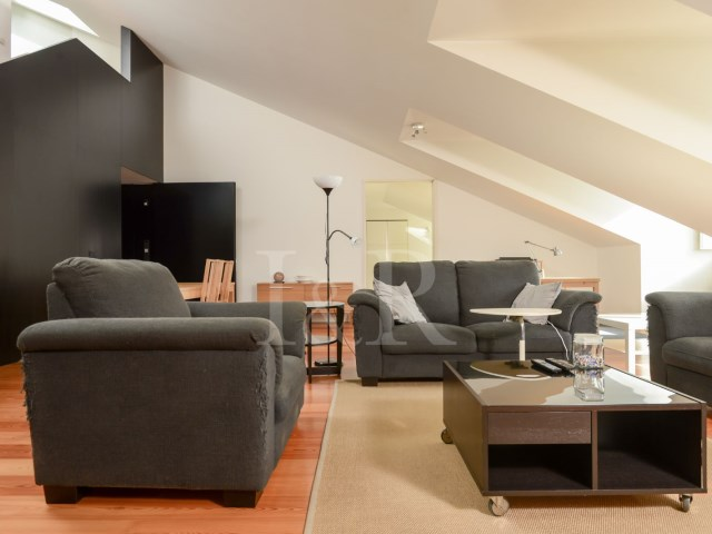 LUXURY 3 BEDROOM APARTMENT IN SANTA CATARINA, LISBON | 2 Bedrooms + 1 Interior Bedroom | 3WC