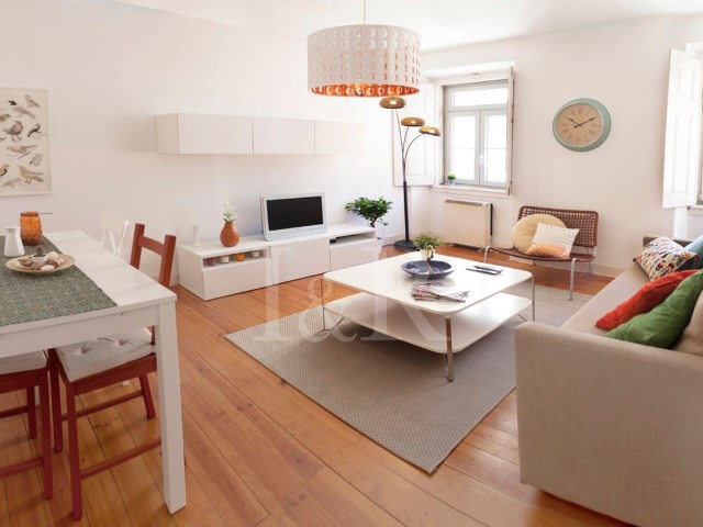 REFURBISHED 1-BEDROOM APARTMENT WITH BALCONY NEAR AV. DA LIBERDADE, LISBON | 1 Bedroom | 1WC