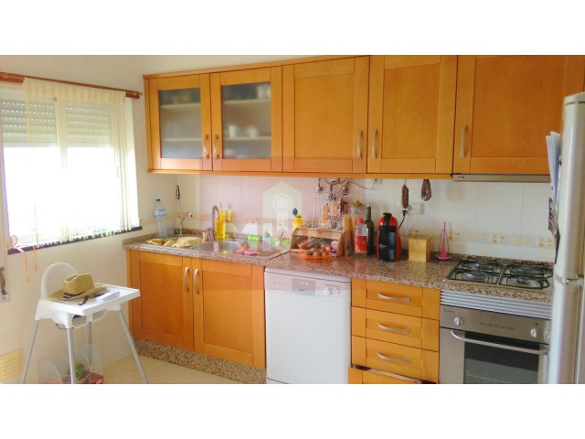 2 bedroom apartment with sea view in Olhao-kitchen