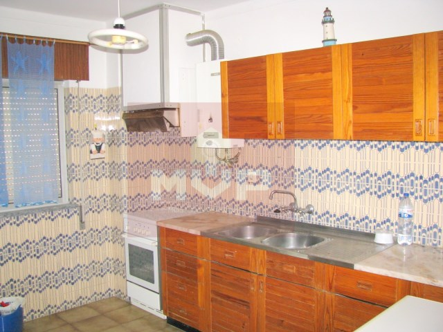1 bedroom apartment in the city centre of Olhao-kitchen