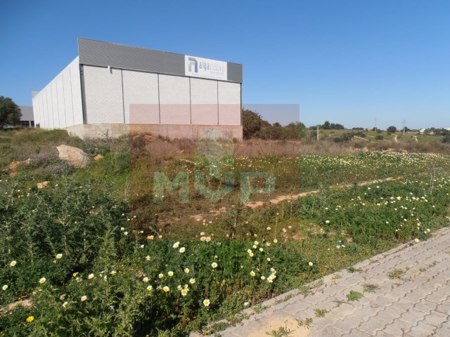 Lot for warehouse in the industrial zone of Olhão,