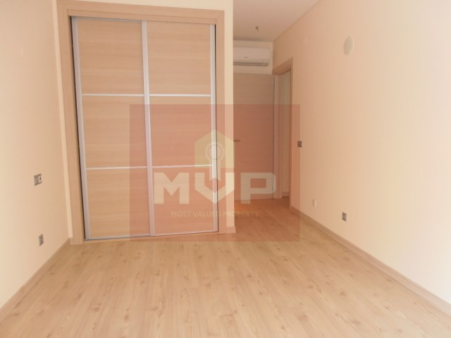 Apartment T2 new in Faro-1 room
