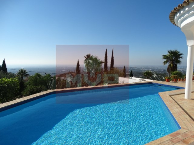 House 3 bedrooms detached villa with pool and sea view, in Estoi-pool with sea view and field