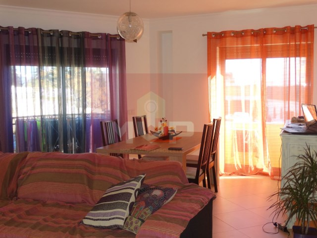 2 bedroom apartment in Olhão Centre parking-room