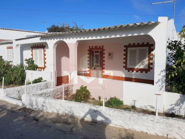 House 4 bedrooms on the island of Armona-facade