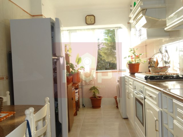 2 bedroom apartment in Olhao-kitchen