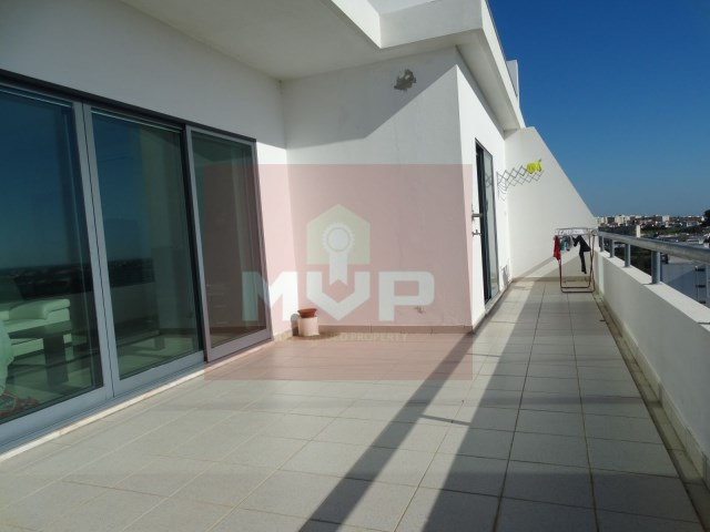 3 bedroom apartment with sea view terrace and garage-terrace