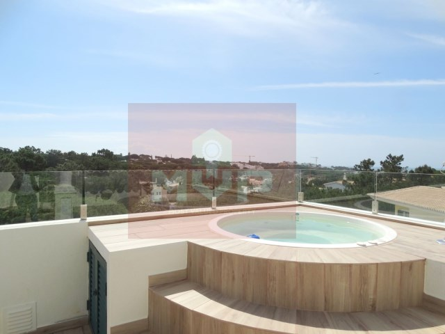Apartment T2 duplex, with sea view in Vale do Lobo-terrace with Jacuzzi