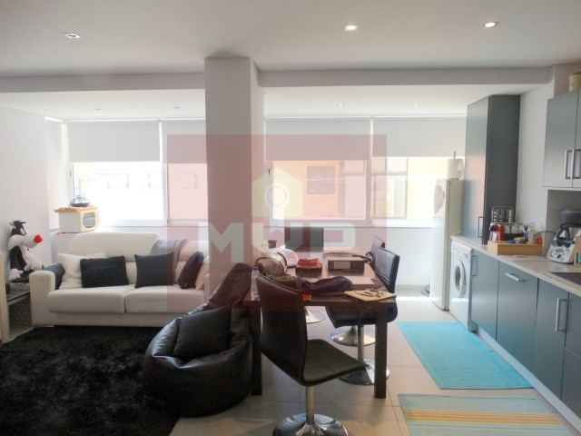 Apartment T2 +1 in Faro-living room/kitchen