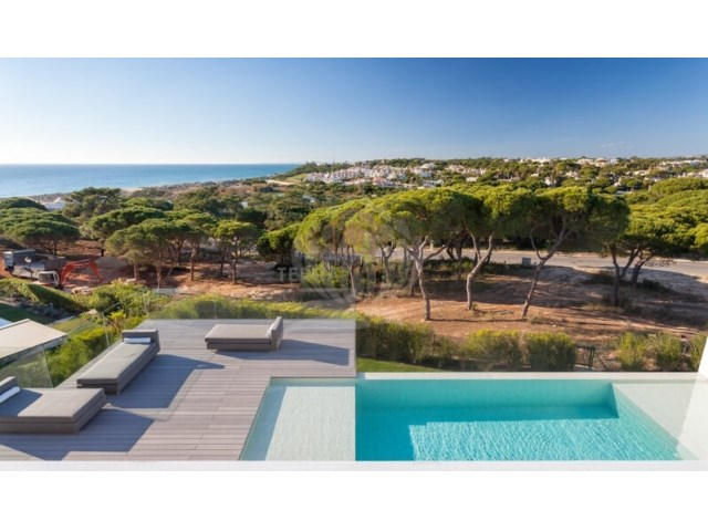 Sea Views Villa in Vale do Lobo (16)
