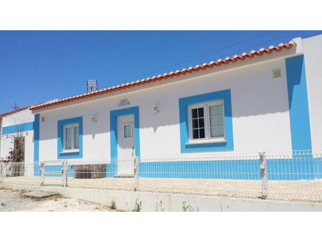 Charming cottage in Atouguia da Baleia