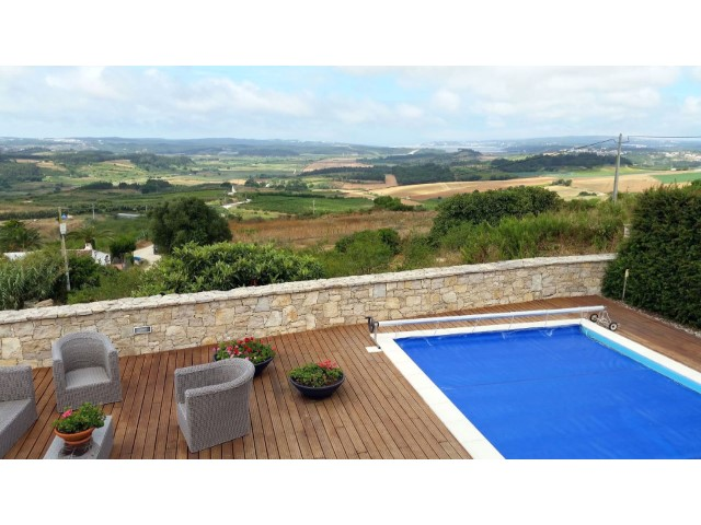 Fantastic villa with country & sea views and pool in Óbidos