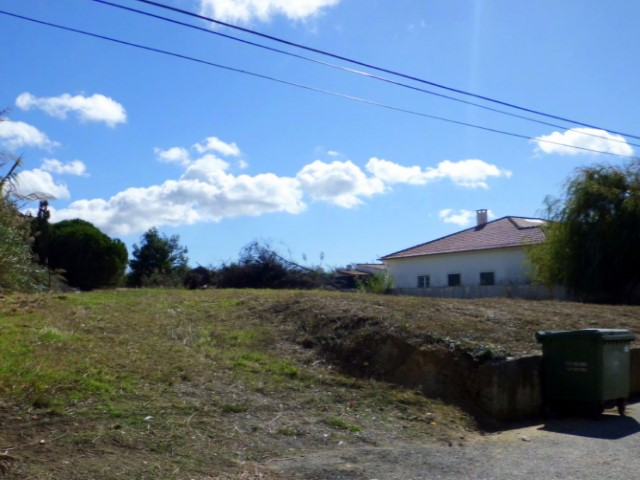 Plot of land in Casais Brancos - Peniche 01