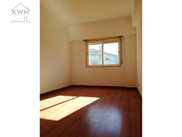 Apartment 2 Bedrooms Oeiras Carnaxide E Queijas