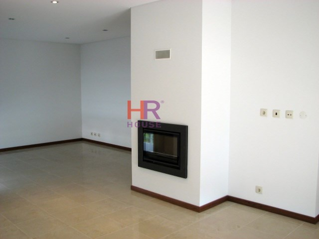 Semi-Detached House › Condeixa-a-Nova | 4 Bedrooms | 1WC