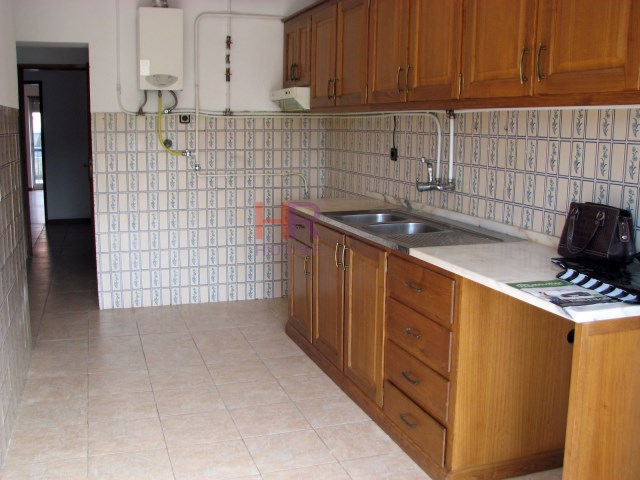 Apartment 3 Bedrooms › Santa Clara e Castelo Viegas