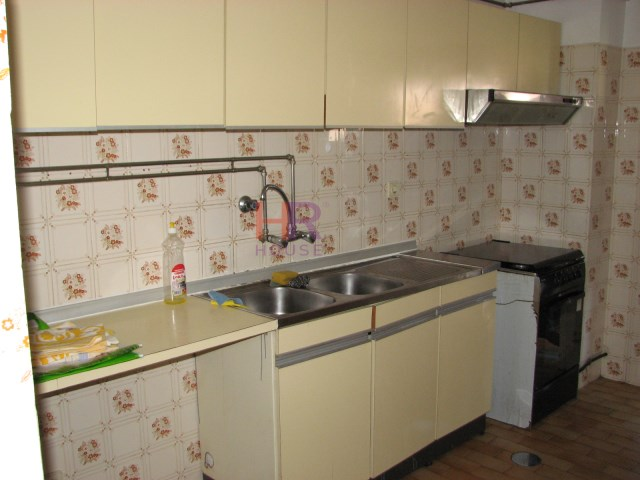 Apartment 4 Bedrooms › Santo António dos Olivais