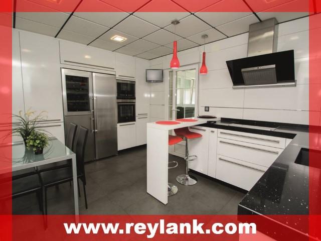 Reylank propiedades for Oficina empleo coslada
