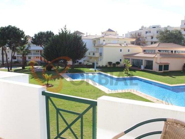 Buy apartment in albufeira with pool