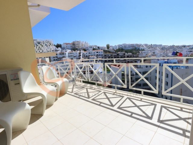 Apartment for sale overlooking the city of Albufeira