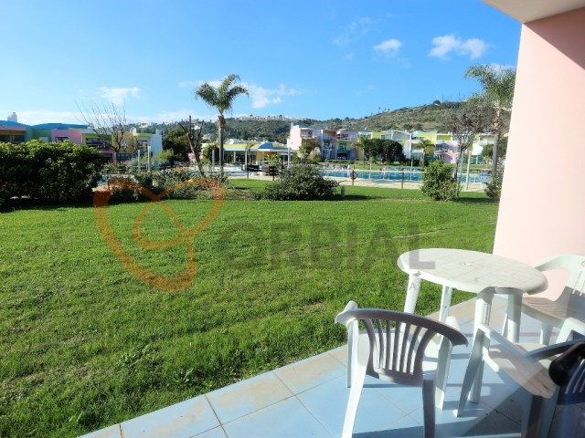 1 bedroom apartment for sale with pool in Albufeira