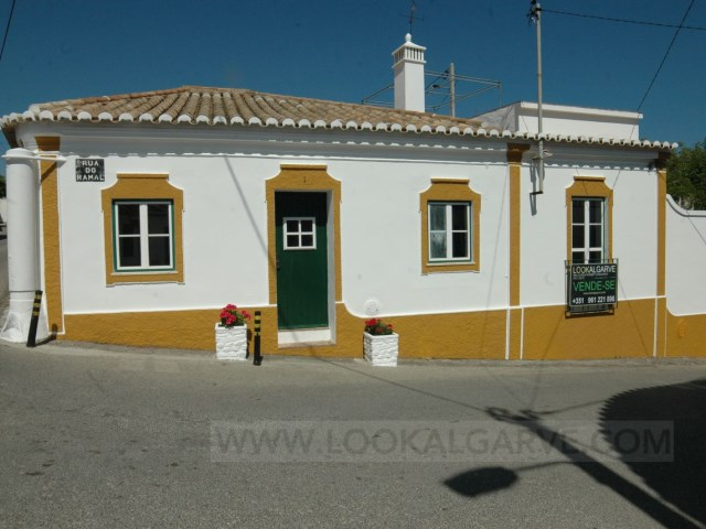 Country house in Espiche | 2 Bedrooms | 2WC