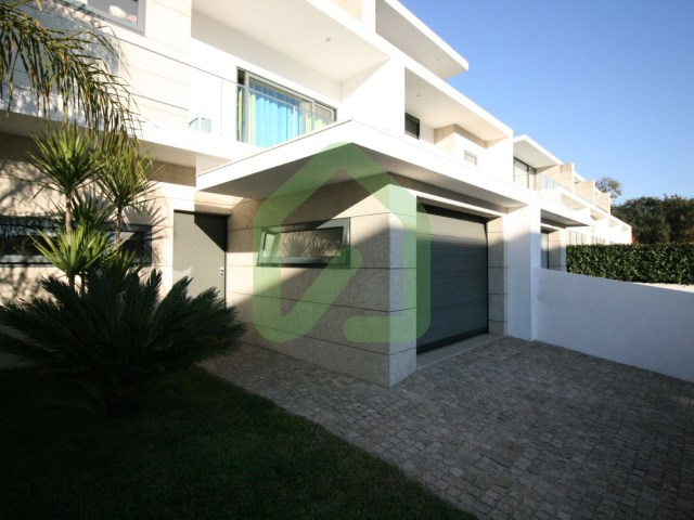 Terraced House 4 Bedrooms › Antas e Abade de Vermoim