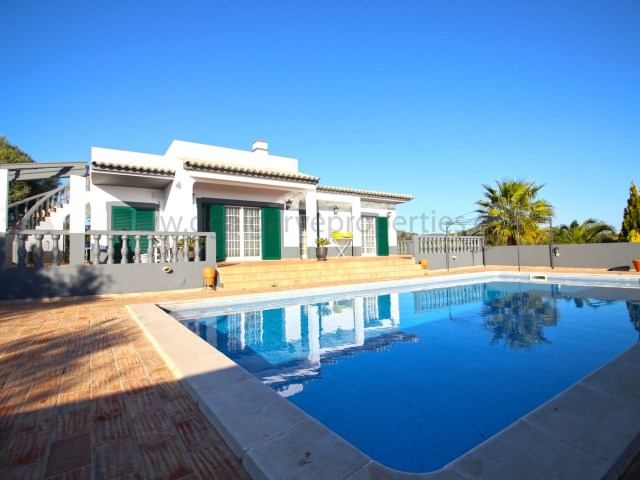 3 bedroom - privacy - pool - spacious - algarve