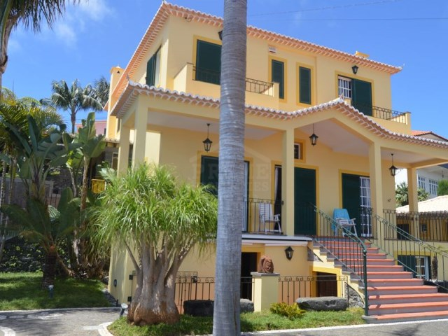 Magnificent Villa for Sale Ponta do Sol Prime Properties Madeira Real Estate (6)