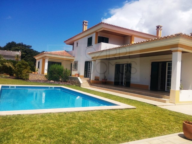 House 6 Bedrooms › Sesimbra (Castelo)