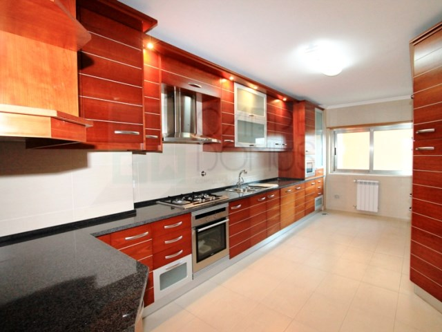 Apartment 4 Bedrooms › Santa Clara