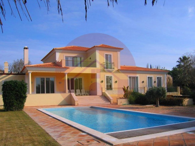 Luxury 4 bedroom villa with tennis court, gym and sauna