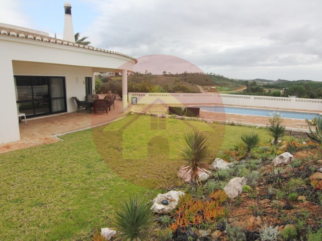 3 bedroom Villa-vente-Mexilhoeira Grande, Algarve