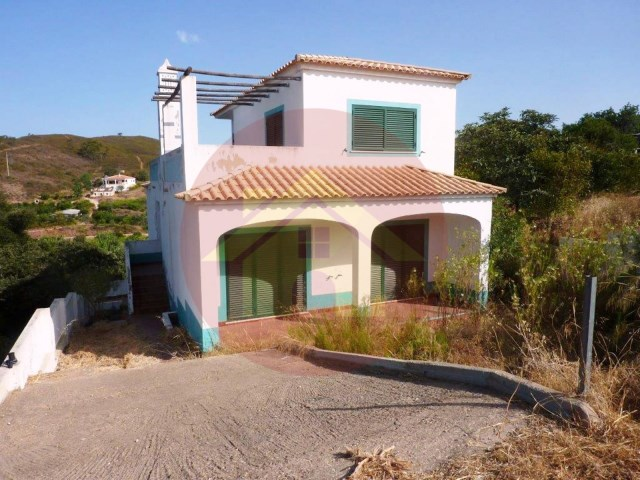 3 bedroom villa-for sale-Silves, Algarve