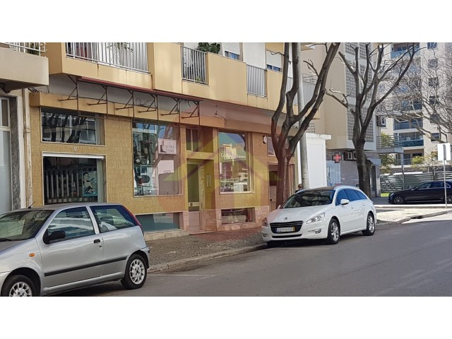 Shop-for sale-Portimao, Algarve