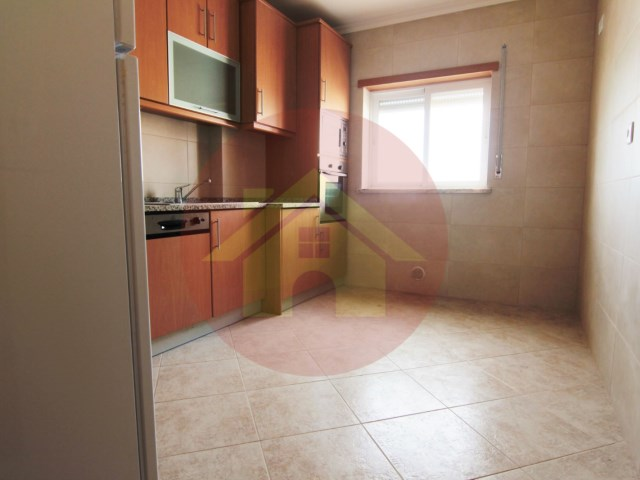 2 bedroom apartment-for sale-'Bad Shares'-Alvor-Portimão, Algarve