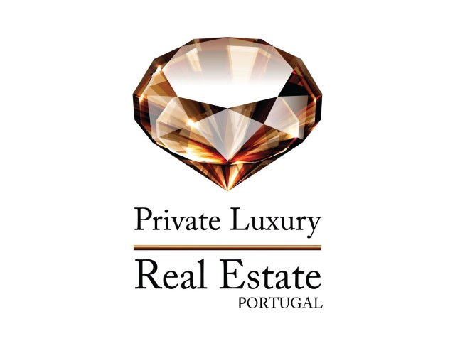 PrivateLuxury_Vertical