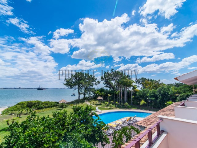 House on the beach, Tróia. | 6 Bedrooms | 6WC
