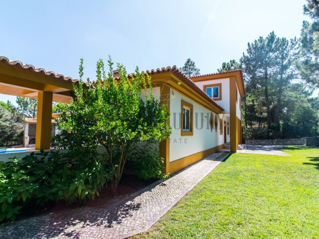 House › Sesimbra | 6 Bedrooms | 5WC