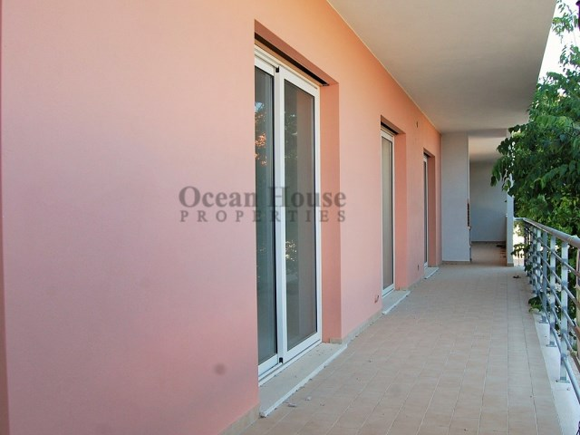 Appartement T1-new-pool-garage-near-the-beach-armacao-de-pera