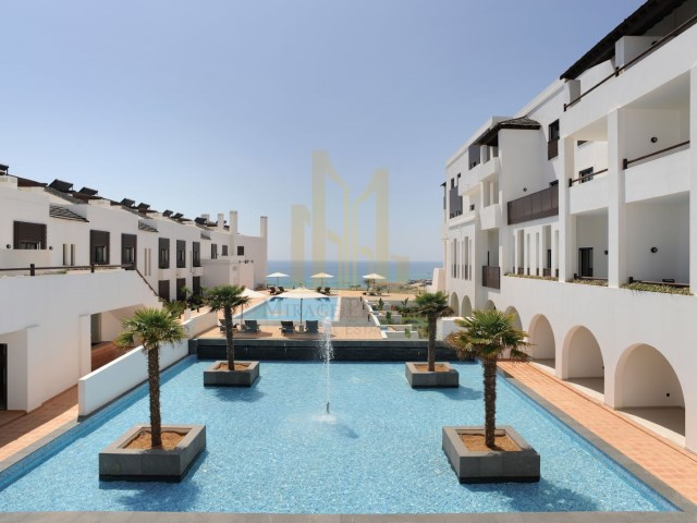 2 bedroom apartment in Luxury Resort on the beach front. Lagos, Algarve