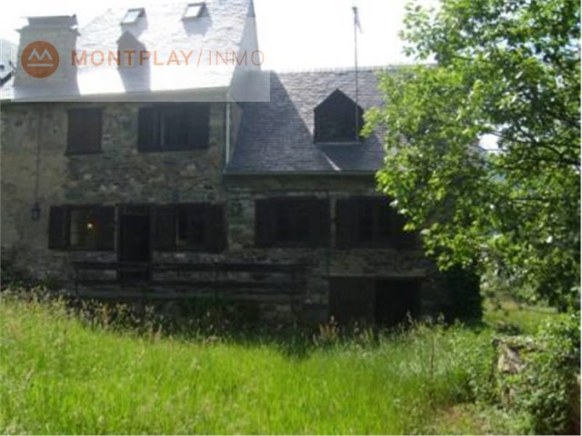 Country house for sale in Es Bòrdes, Aran Valley