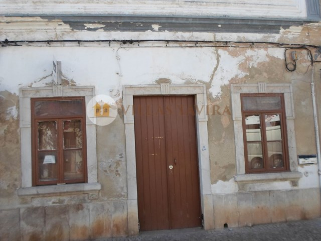 Villas Tavira Real Estate: Old House to retrieve in the Centre of Tavira_0404